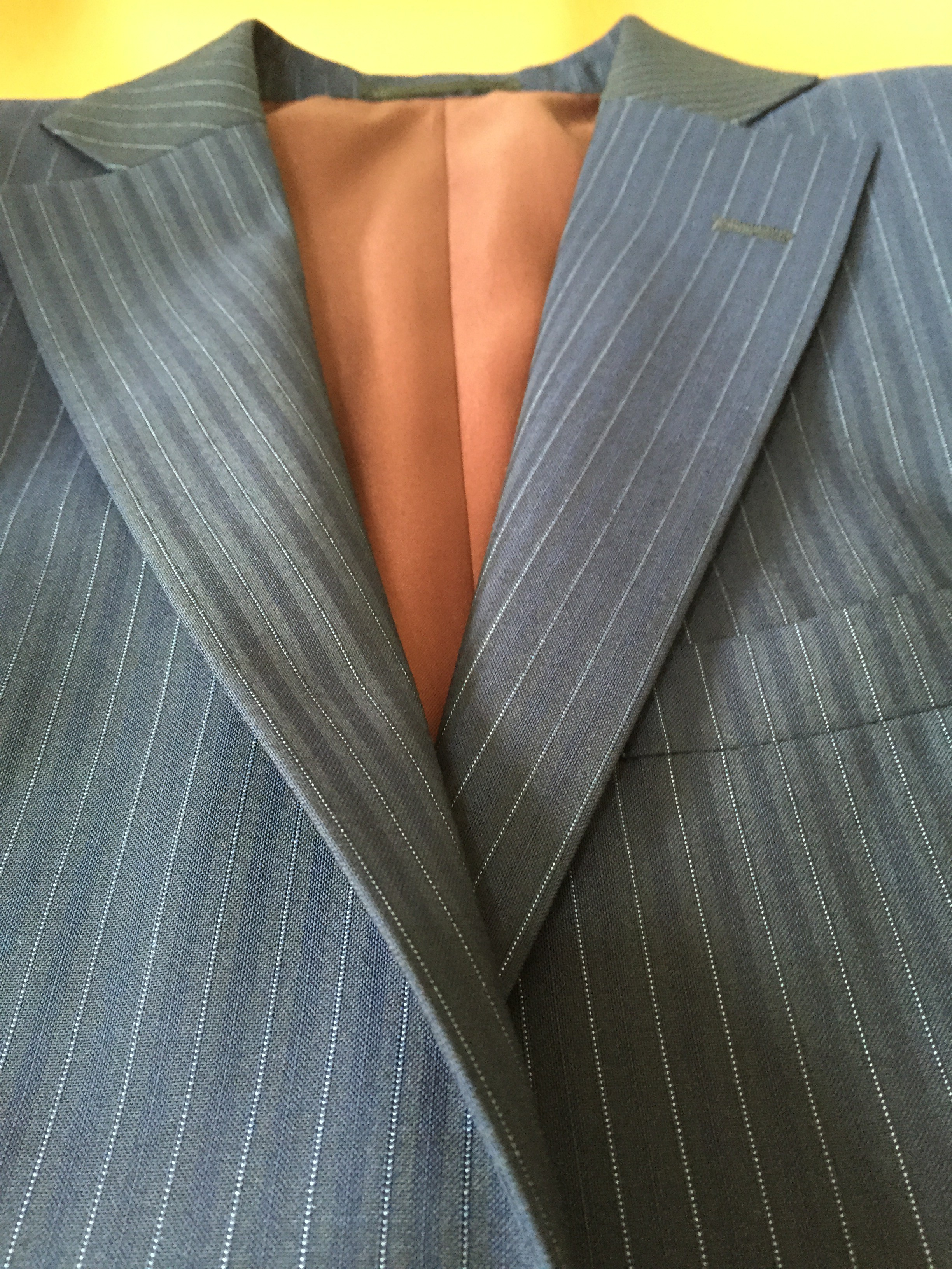 スーツのパーツの名前を覚えておきましょう
