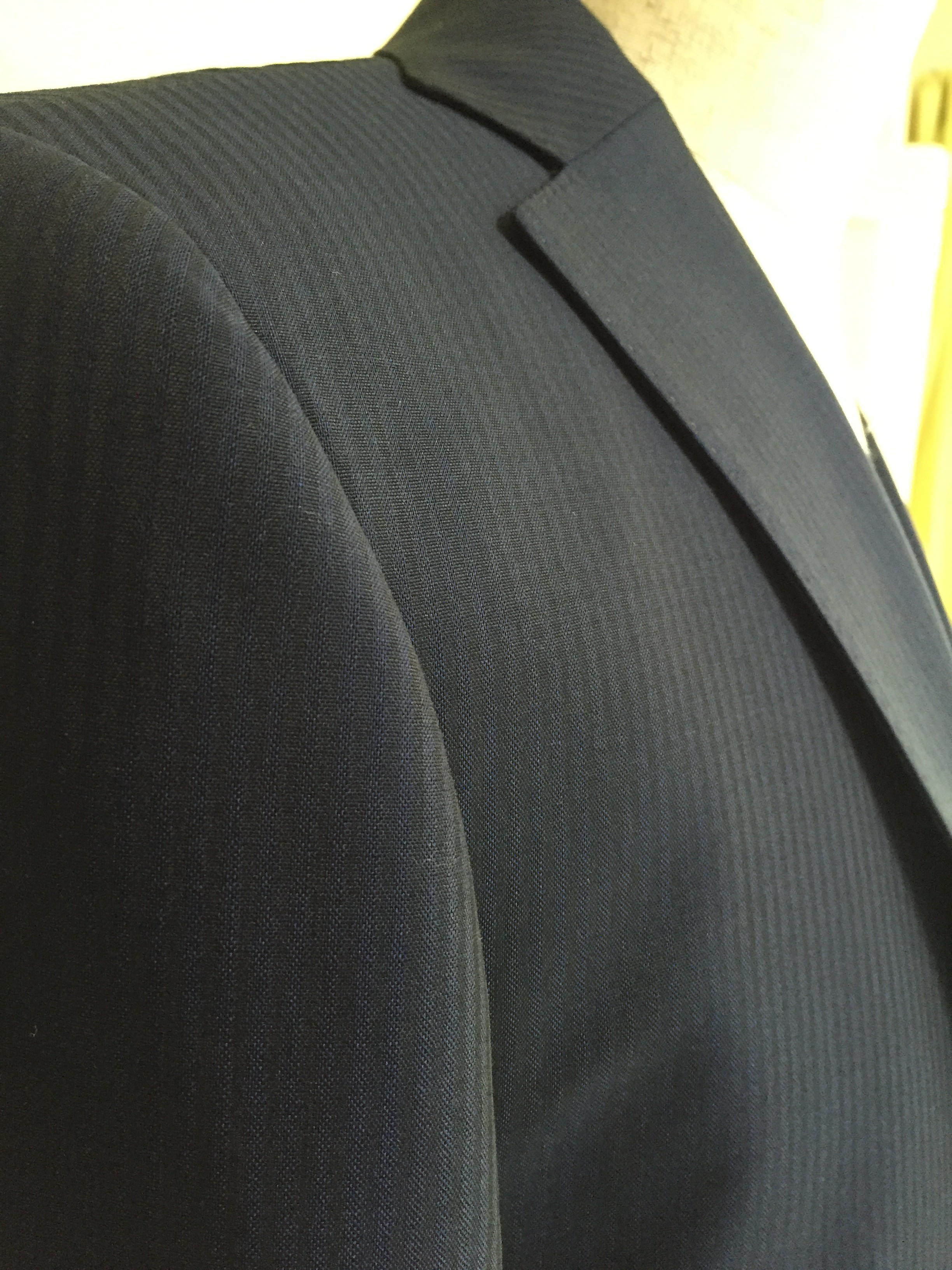 今からスーツを仕立てるとしたら、どんな生地がいいですか?