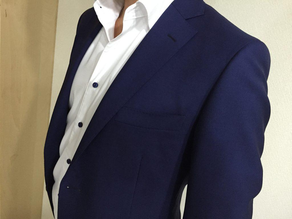 着用シーズンが長いスーツがあると便利ですよ