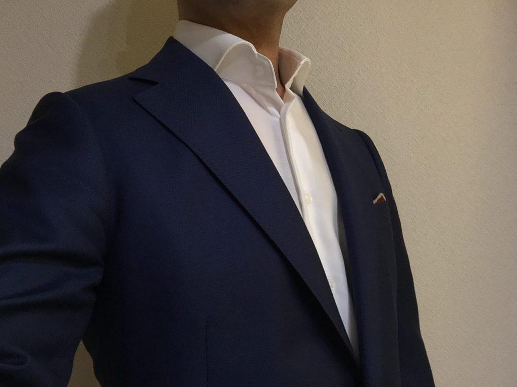 ジャケットを着用するならシャツは長袖ですよ!