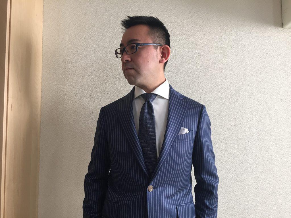 人生が変わるスーツを着てみませんか?