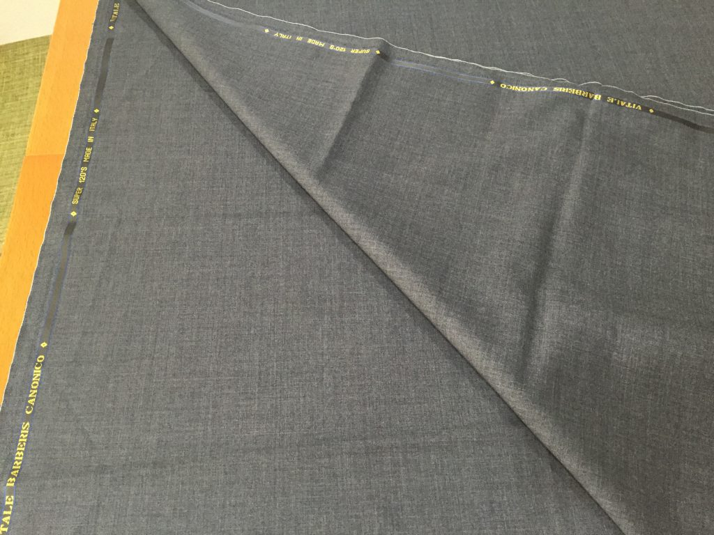 今選ぶべきスーツの生地は、平織か綾織のどちらが最適なのか?パート1