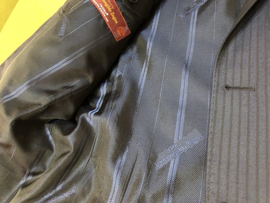 オーダーなら裏地をゼニア等の織元の純正にすることも可能です