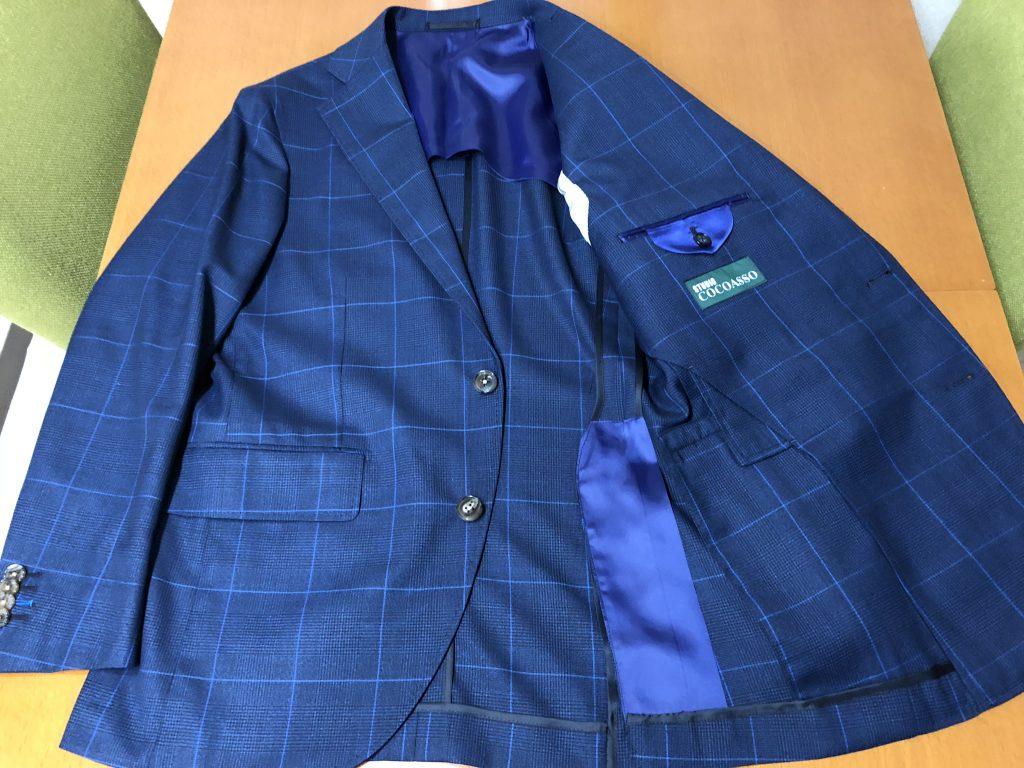 夏場のスーツはセオリー通りの背抜き仕様か最近トレンドの大身返しのどちらにするべきか?
