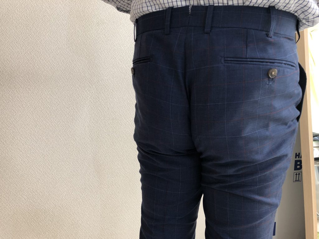 パンツスタイルで一番大切なのは腰位置ですよ!