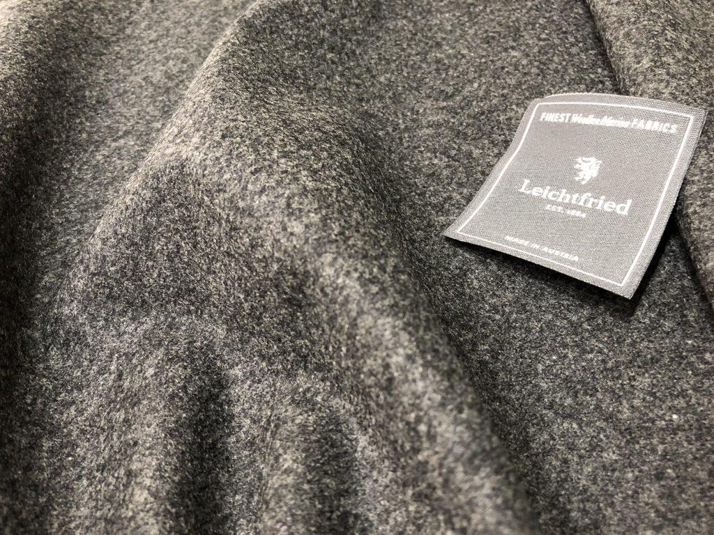 コートを準備するなら寒くなる前の今が丁度良いタイミングです